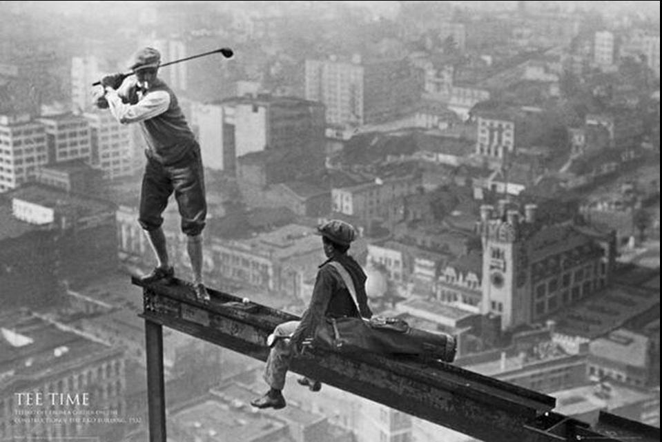 9. Partija golfa na konstrukciji građevine Empire State zgrade u Njujorku 1932. godine.