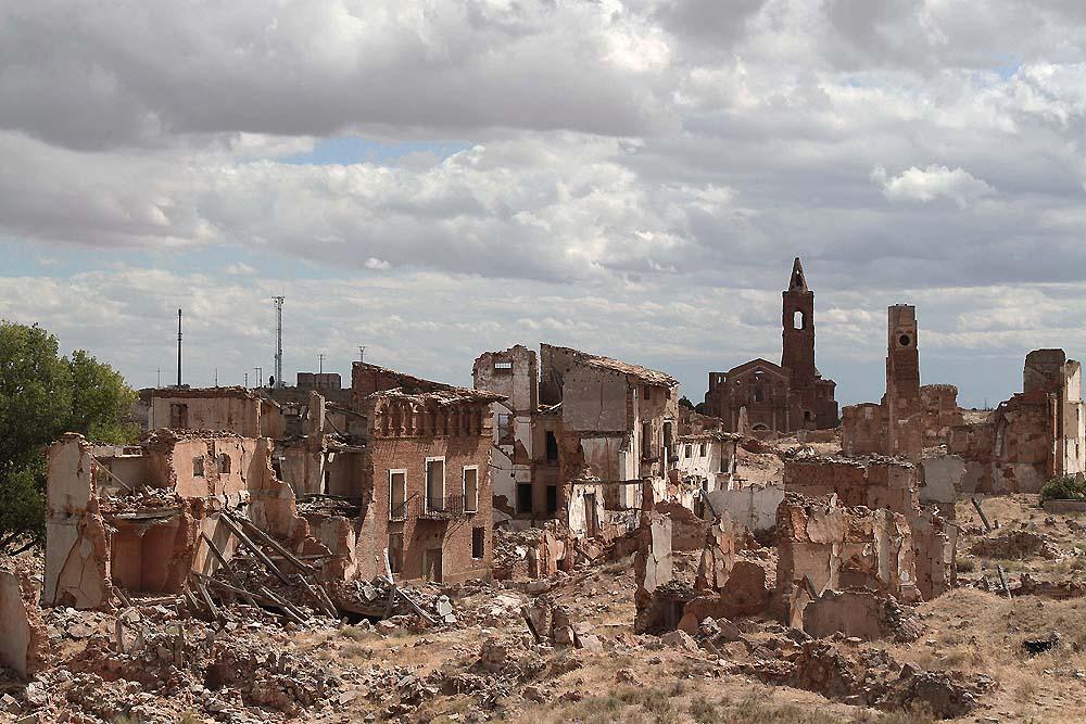 2. Belčite, Španija - Uporište brutalne bitke tokom Španskog građanskog rata (1936-1939) je sada groblje kamenih ruševina. Gradić su napale snage republikanske armije, a ruševine koje su ostale nemi su svedoci nasilnog obračuna dve vojske.