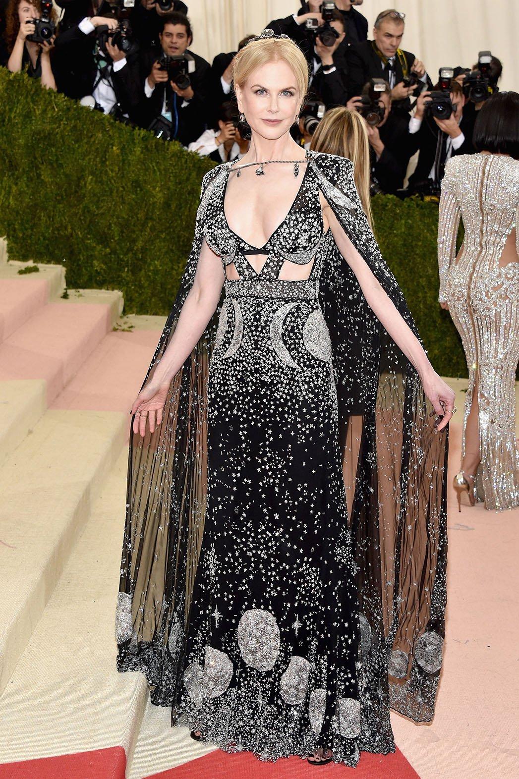 10. Nicole Kidman u prelepoj haljini Alexander Mcqueen