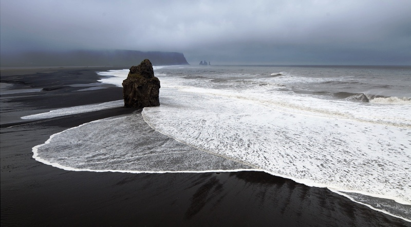 Black_Sand_Beaches_Vik_Iceland