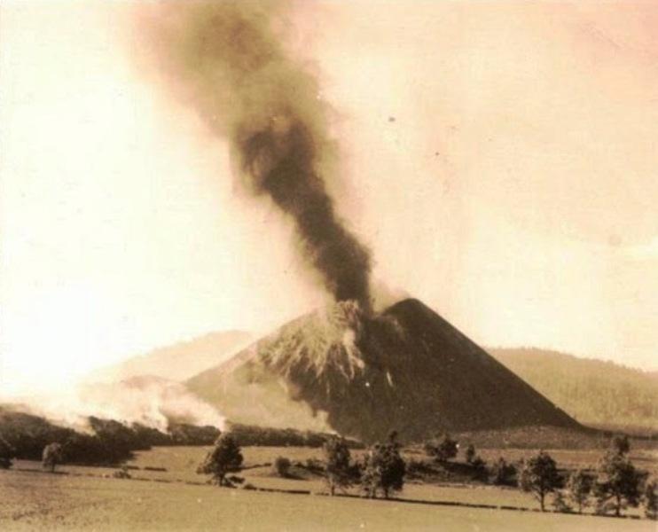 vulkan_polje_kukuruza