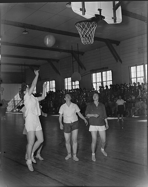 474px-heart_mountain_relocation_center_heart_mountain_wyoming-_a_hotly_contested_interscholastic_basket_-_-_-_-_nara_-_539726-copy