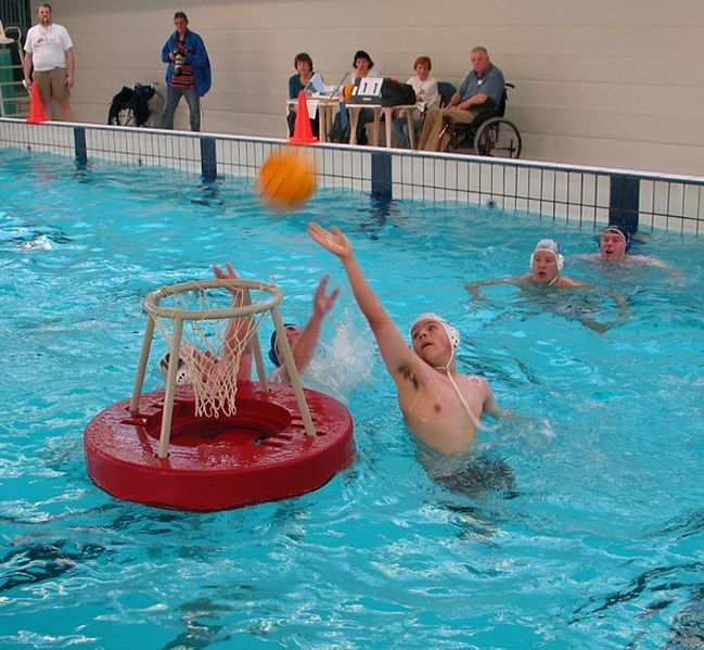 649px-meppel-waterbasketbal-doel-poging