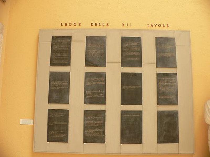 12_tablica