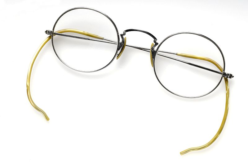 a_pair_of_spectacles_wellcome_l0044000