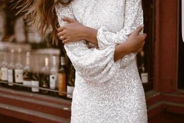 kratka_bela_haljina_naslovna