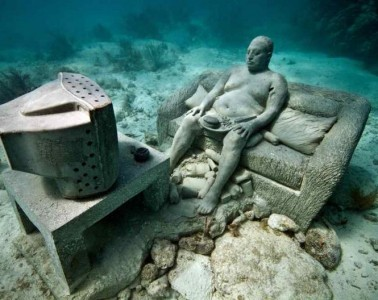 inertia-underwater-sculpture-jason-decaires-taylor